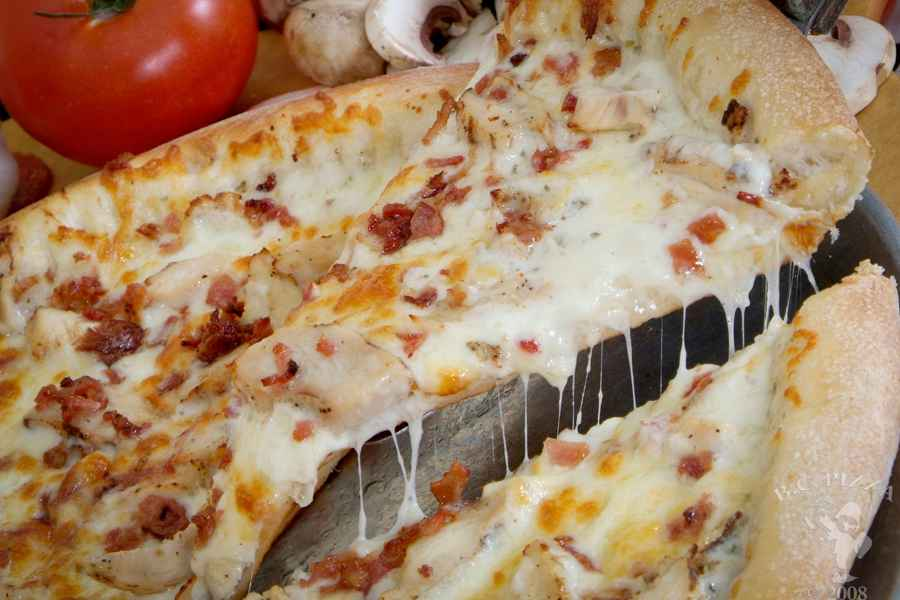 020 CHICKEN BACON RANCH PIZZA